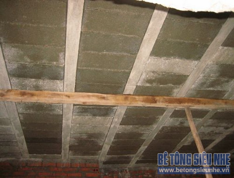 Sửa nhà nâng thêm tầng sử dụng sàn bê tông siêu nhẹ 01