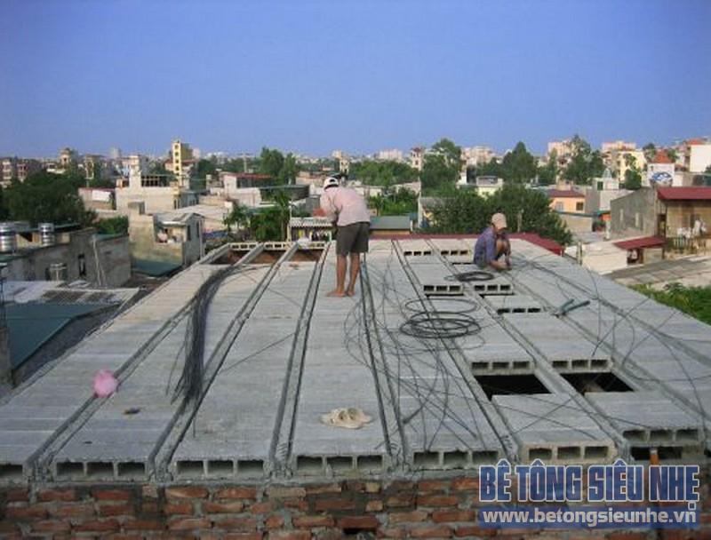 Thi công mái nhà bằng bê tông siêu nhẹ tại Lê Trọng Tấn, Thanh Xuân, Hà Nội