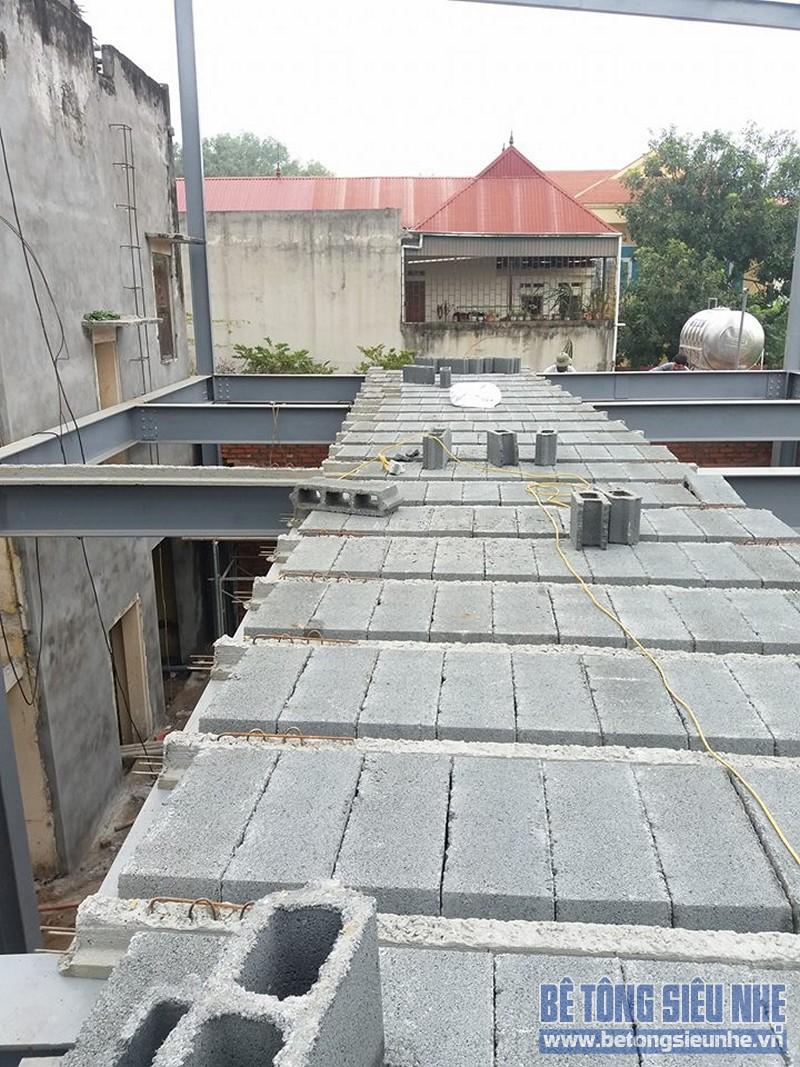 Thi công nhà khung thép sàn bê tông nhẹ công trình nhà trưng bày xe Honda, Vĩnh Phúc - 06