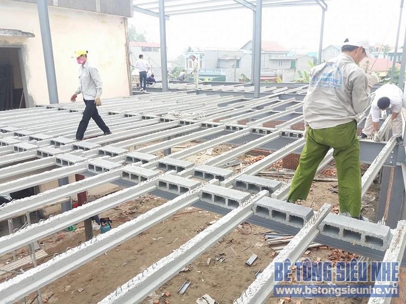 Thi công nhà khung thép sàn bê tông nhẹ công trình nhà trưng bày xe Honda, Vĩnh Phúc - 05