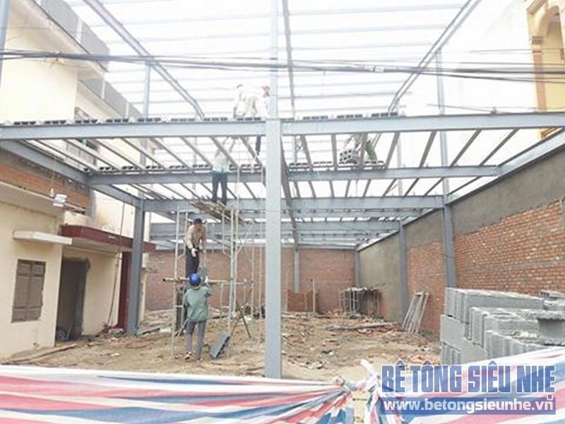 Thi công nhà khung thép sàn bê tông nhẹ công trình nhà trưng bày xe Honda, Vĩnh Phúc - 02