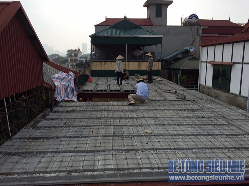 Công trình dùng sàn bê tông nhẹ để cải tạo nhà của gia đình chị Hằng, Đống Đa - 01