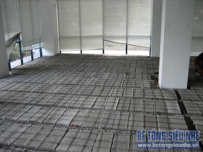 Thi công sàn bê tông siêu nhẹ tại Mai Hắc Đế 04