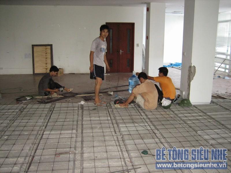 Thi công sàn bê tông siêu nhẹ tại Mai Hắc Đế 05