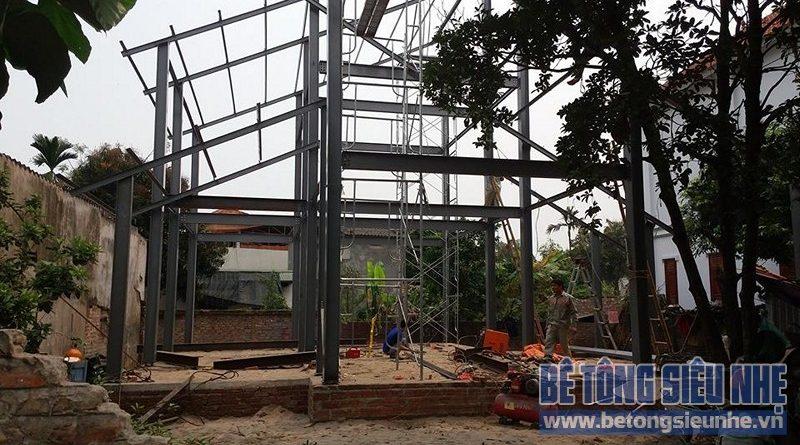 Dựng khung nhà khung thép tiền chế công trình nhà biệt thự tại Võng La