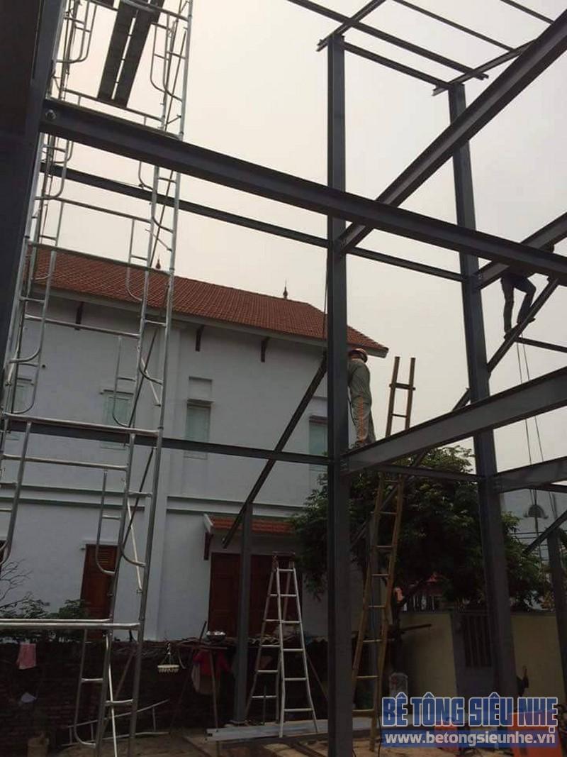 Dựng khung nhà khung thép tiền chế công trình nhà biệt thự tại Võng La - 01