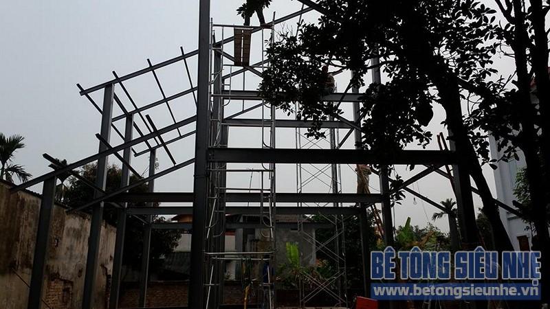 Dựng khung nhà khung thép tiền chế công trình nhà biệt thự tại Võng La - 04