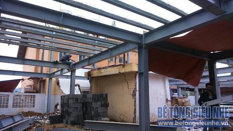 Thi công nhà khung thép 2 tầng kết hợp sàn bê tông nhẹ công trình Tản Đà Resort - 02