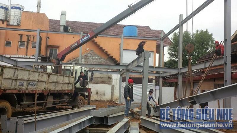 Thi công nhà khung thép 2 tầng kết hợp sàn bê tông nhẹ công trình Tản Đà Resort - 03