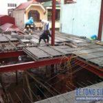 Làm sàn bê tông siêu nhẹ trên khung nhà thép tiền chế công trình nhà xưởng tại Mê Linh