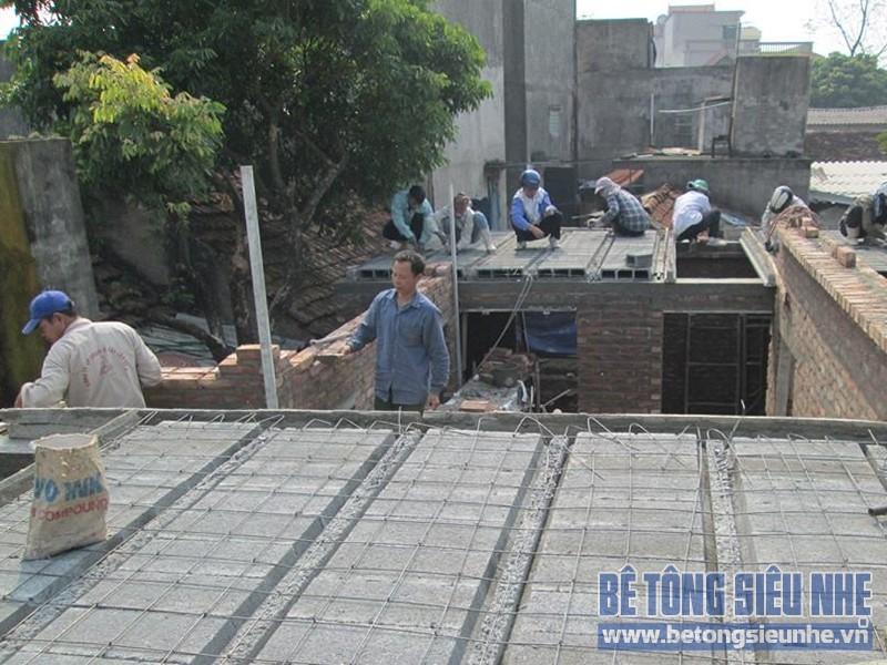 Lắp ghép sàn bê tông siêu nhẹ làm trần nhà anh Dũng tại Biên Giang, Hà Đông
