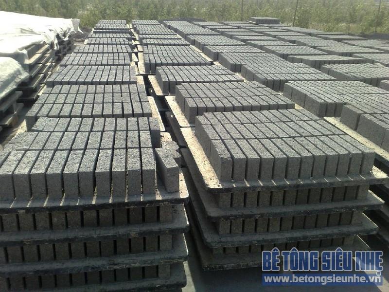 Ứng dụng tấm pallet nhựa trong sản xuất gạch không nung