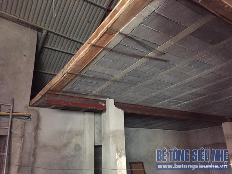 Thi công sàn bê tông siêu nhẹ cho nhà anh Bình, Phú Kim, Thạch Thất, Hà Nội