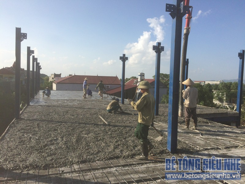 Công tác thi công nhà khung thép, sàn bê tông nhẹ khách sạn Hồ Núi Đính (Ninh Bình) P6