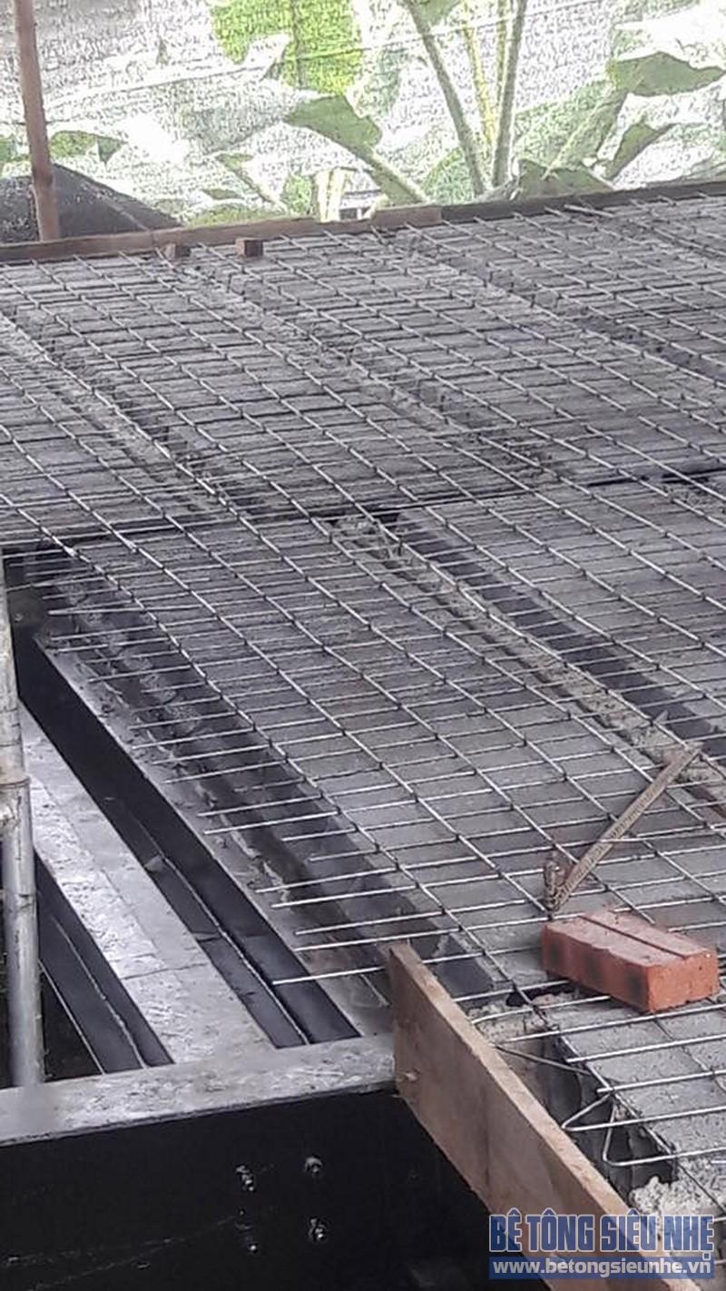Ngăn tầng bằng sàn bê tông siêu nhẹ nhà chú Trung ở Gia Lâm