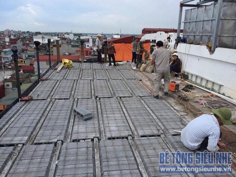 Làm trần nhà phố bằng bê tông nhẹ nhà anh Hiển, Lĩnh Nam, Hoàng Mai, Hà Nội - 05