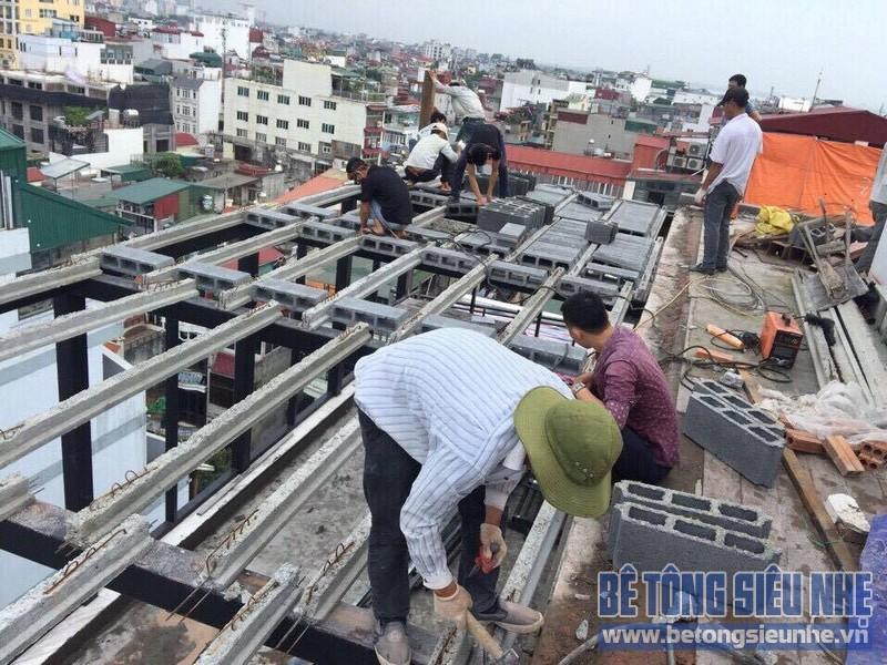 Làm trần nhà phố bằng bê tông nhẹ nhà anh Hiển, Lĩnh Nam, Hoàng Mai, Hà Nội - 03