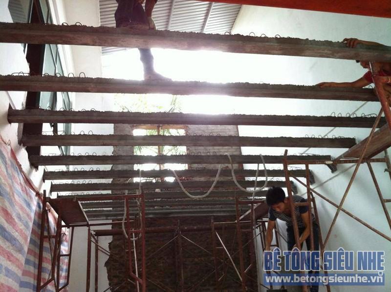 Đổ trần bằng bê tông siêu nhẹ - cải tạo nhà phố cho nhà anh Dũng ở Long Biên