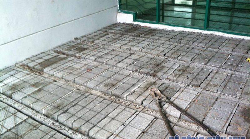 Thi công đổ trần bằng bê tông siêu nhẹ - cải tạo nhà phố cho nhà anh Dũng ở Long Biên