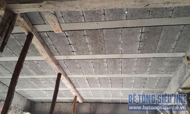 Thi công sàn bê tông nhẹ Xuân Mai tại nhà anh Hùng, Phương Mai, Đống Đa, Hà Nội - 02