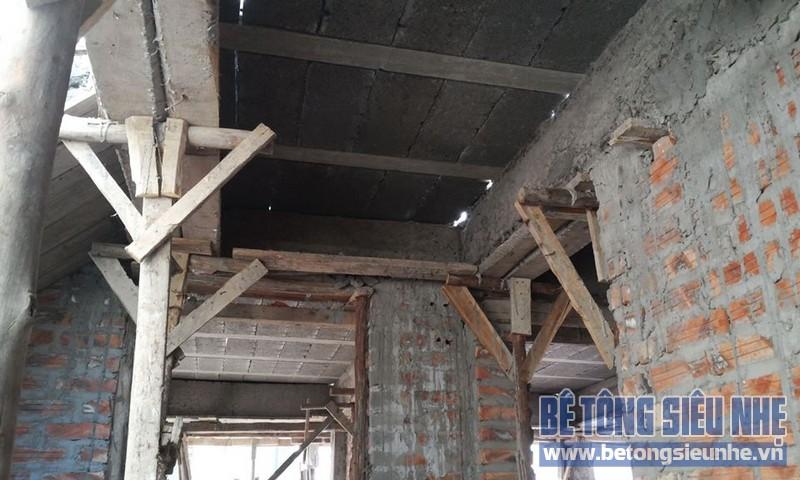 Thi công sàn bê tông nhẹ Xuân Mai tại nhà anh Hùng, Phương Mai, Đống Đa, Hà Nội - 04
