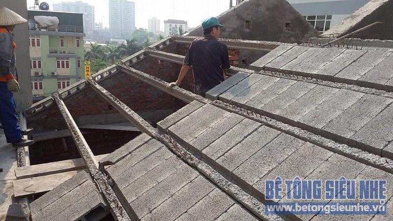 Làm trần ngoại thất bằng sàn bê tông nhẹ lắp ghép giúp tiết kiệm chi phí xây dựng