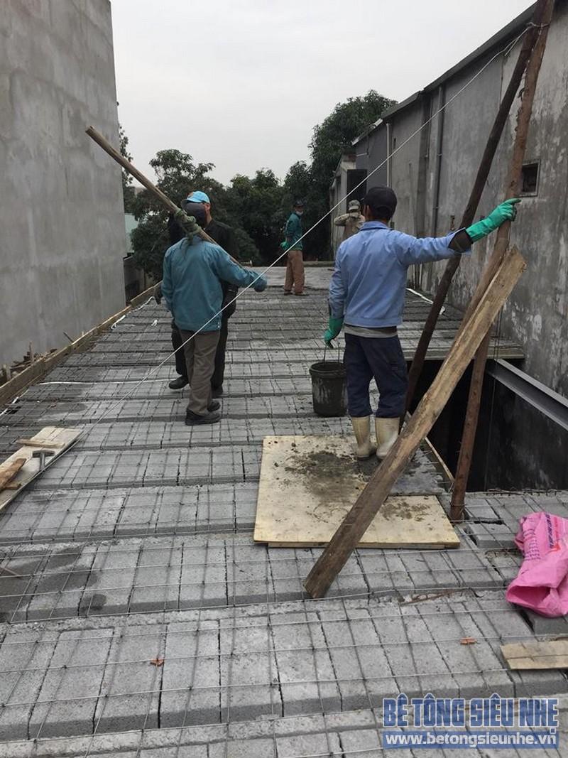 Đổ trần bằng bê tông nhẹ tầng 1 công trình nhà anh Hữu ở Yên Viên, Gia Lâm