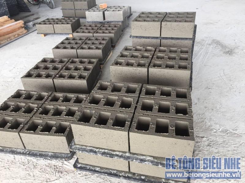 Phép so sánh giữa gạch bê tông nhẹ và gạch bê tông cốt liệu