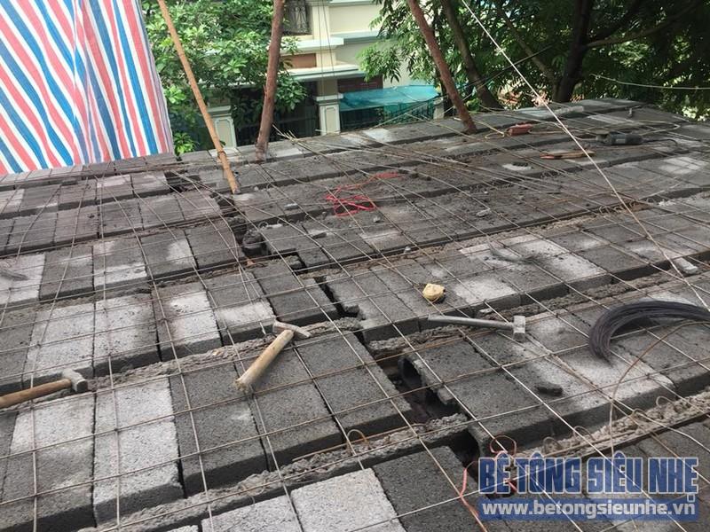 Thi công hệ khung thép và sàn bê tông siêu nhẹ làm gara nhà anh Thanh, Hoài Đức, Hà Nội - 05