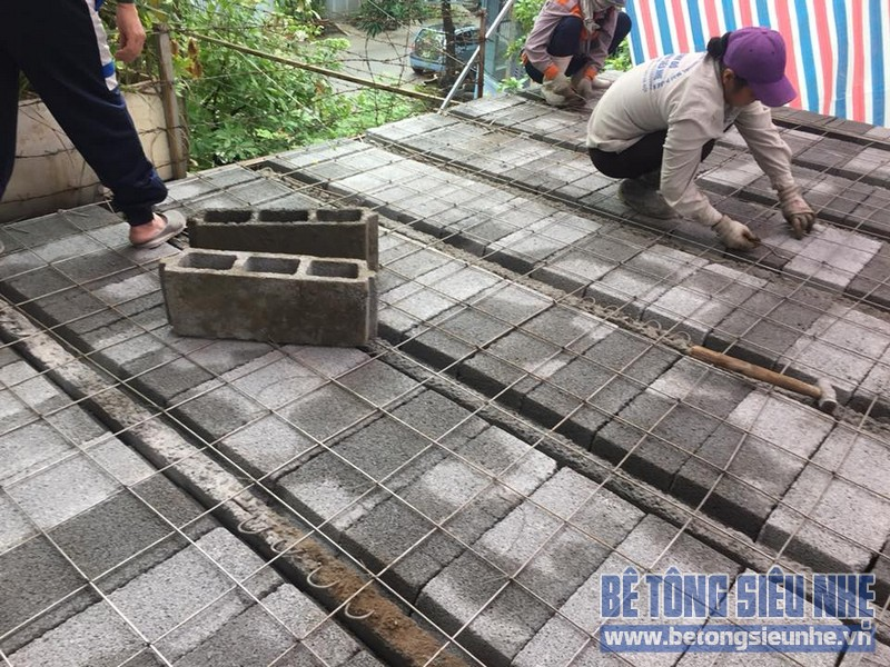 Thi công hệ khung thép và sàn bê tông siêu nhẹ làm gara nhà anh Thanh, Hoài Đức, Hà Nội - 04