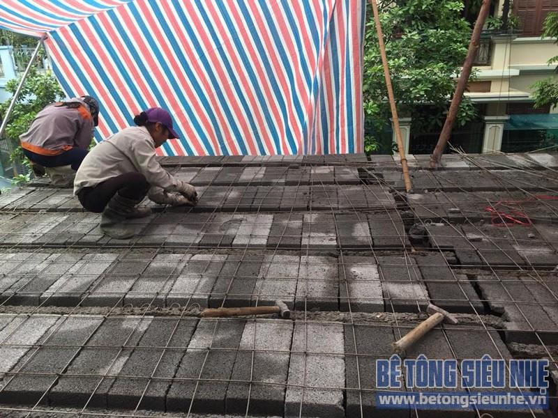 Thi công hệ khung thép và sàn bê tông siêu nhẹ làm gara nhà anh Thanh, Hoài Đức, Hà Nội - 02