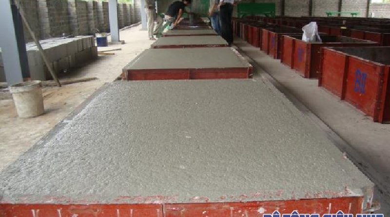 Bê tông bọt được sản xuất bằng cách trộn bọt khí đặc biệt vào vữa ximăng