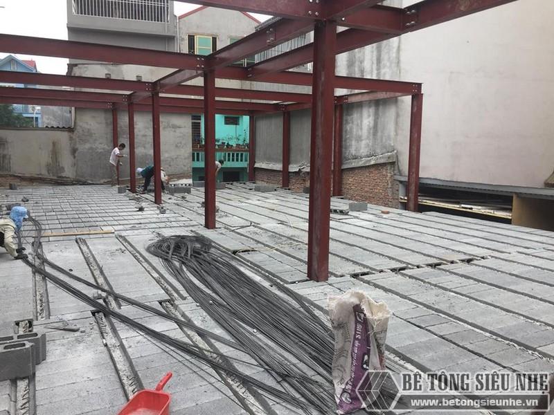 Lắp dựng nhà khung thép và sàn bê tông siêu nhẹ cho nhà xưởng tại Từ Sơn, Bắc Ninh - 02