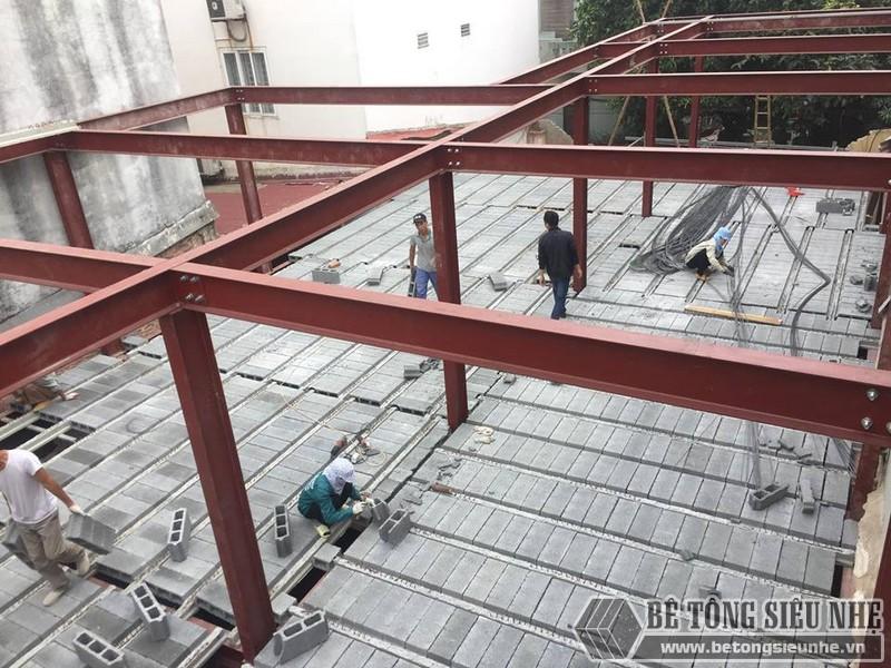 Lắp dựng nhà khung thép và sàn bê tông siêu nhẹ cho nhà xưởng tại Từ Sơn, Bắc Ninh - 03