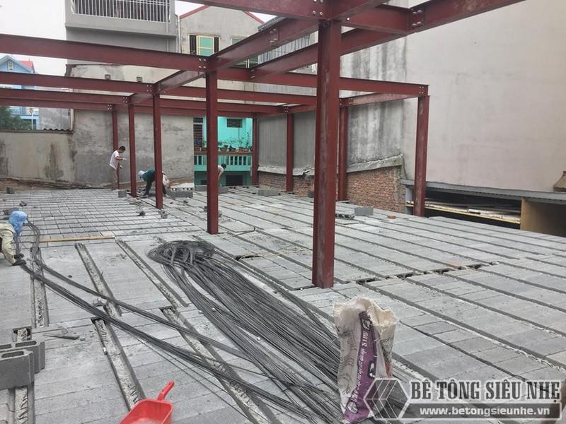 Lắp dựng nhà khung thép và sàn bê tông siêu nhẹ cho nhà xưởng tại Từ Sơn, Bắc Ninh - 09