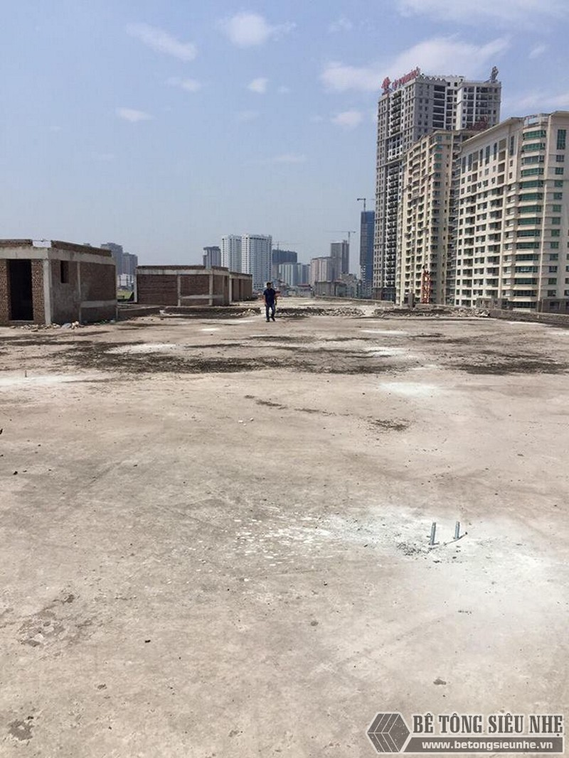 Dựng nhà khung thép và làm sàn bê tông nhẹ lắp ghép công trình ở Cầu Giấy, Hà Nội