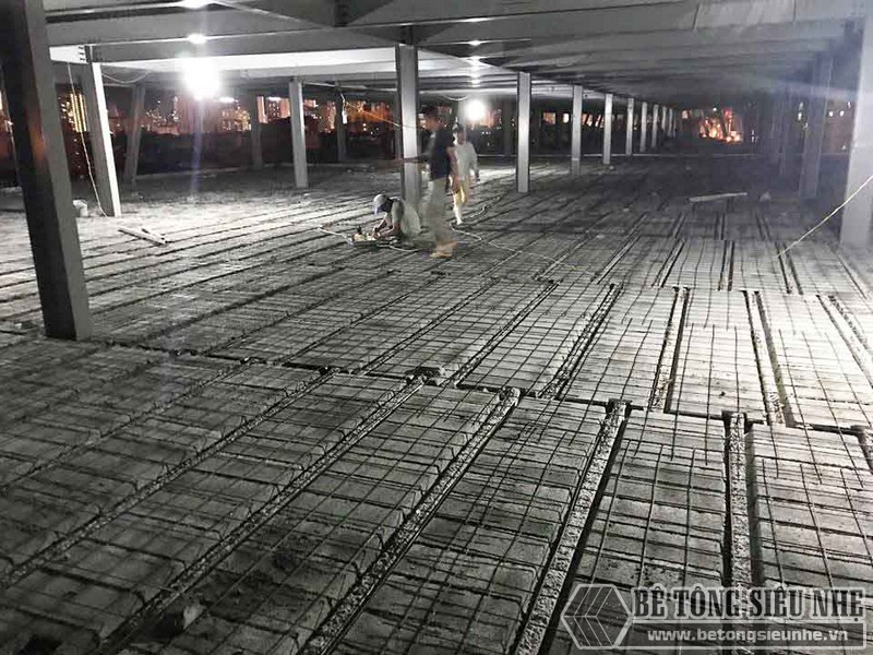 Thi công hệ khung thép và sàn bê tông nhẹ làm trung tâm thương mại tại Đông Anh, Hà Nội - 02