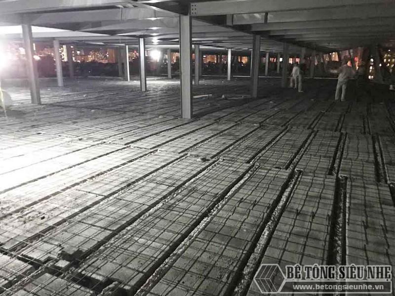 Thi công hệ khung thép và sàn bê tông nhẹ làm trung tâm thương mại tại Đông Anh, Hà Nội - 08