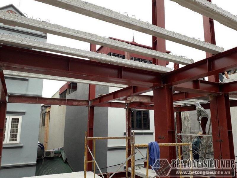 Xây nhà bằng khung thép tiền chế và sàn bê tông nhẹ nhà anh Hải, Thanh Trì, Hà Nội - 02