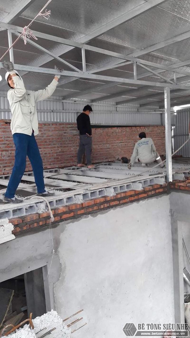 Sử dụng sàn bê tông nhẹ cải tạo mái tôn thành nhà trần tại Cầu giấy, Hà Nội - 01