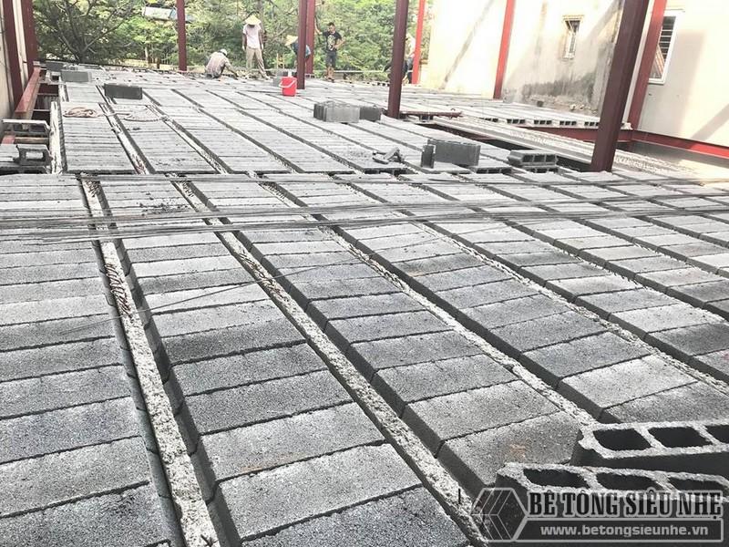 Làm nhà bằng sàn bê tông nhẹ tiết kiệm 1/4 thời gian