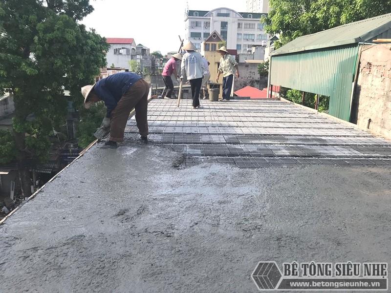 Làm sàn bê tông nhẹ tiết kiệm được nhiều thời gian thi công