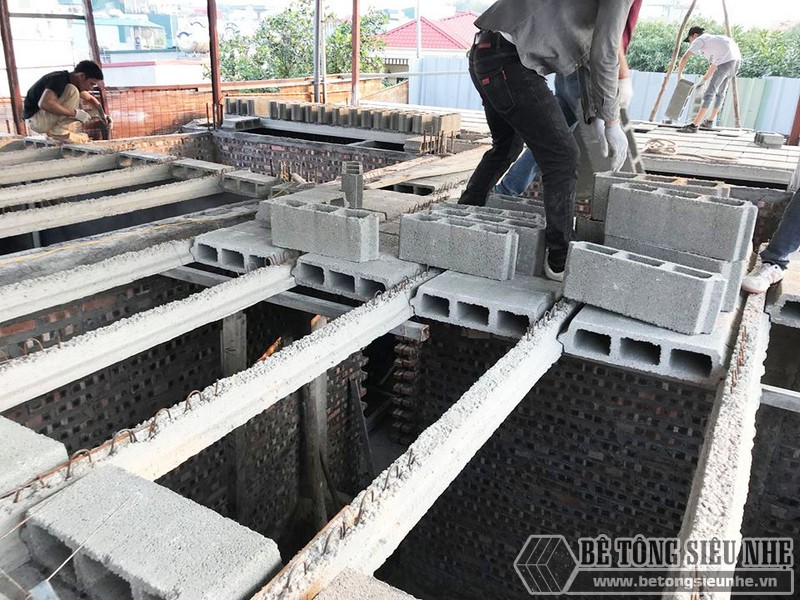 Nâng tầng nhà phố siêu đơn giản với sàn bê tông nhẹ, khung thép tiền chế tại nhà anh Lanh, Ba Đình, Hà Nội - 02