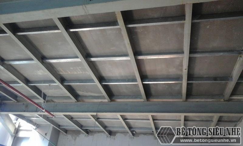 Xây nhà bằng tấm bê tông nhẹ đúc sẵn có ưu điểm chính là lượng công trọng lượng công trình nhẹ
