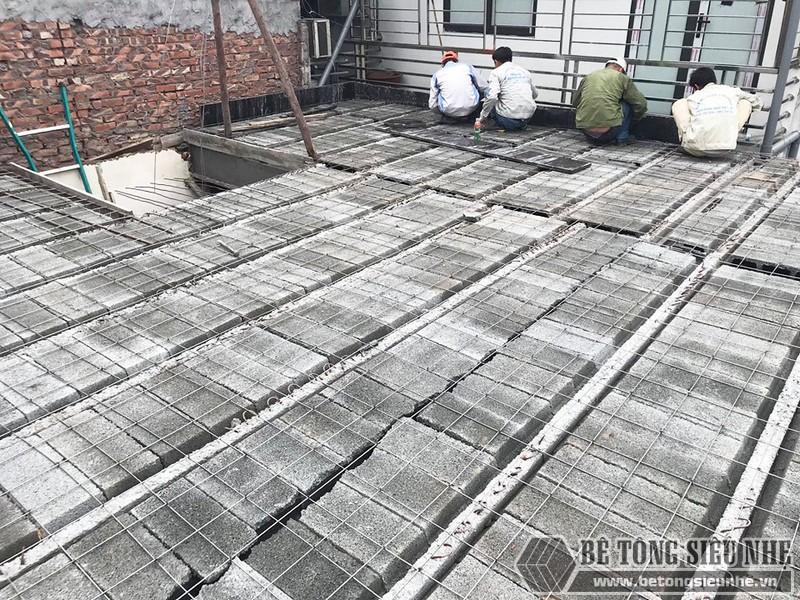Thi công bê tông siêu nhẹ để nâng tầng cho nhà anh Hoặc, Mê Linh, Hà Nội - 06