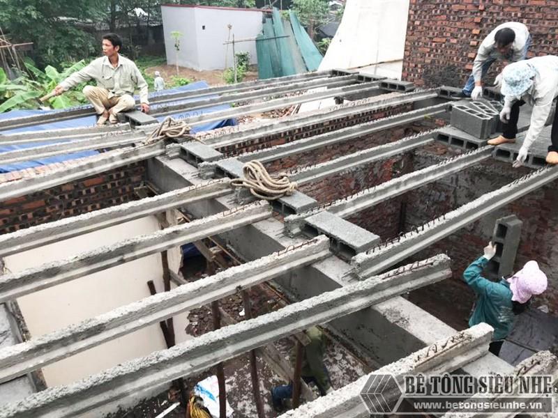 Thi công bê tông siêu nhẹ để nâng tầng cho nhà anh Hoặc, Mê Linh, Hà Nội - 02