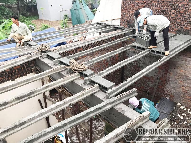 Thi công bê tông siêu nhẹ để nâng tầng cho nhà anh Hoặc, Mê Linh, Hà Nội - 01