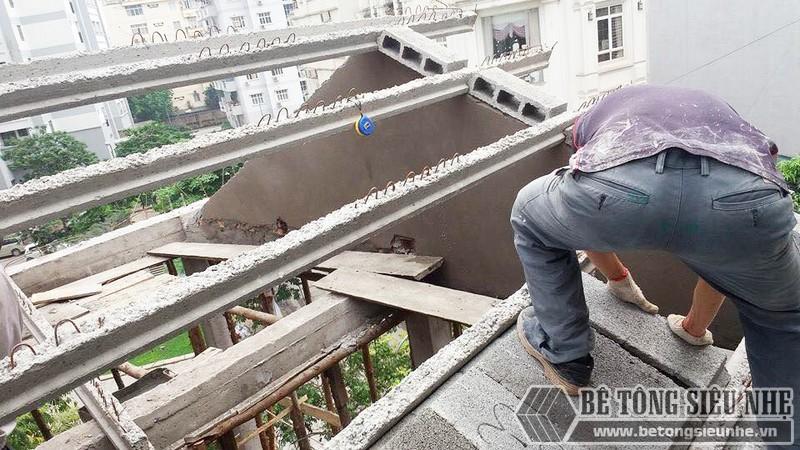 Nâng tầng, làm mái nhà bằng bê tông siêu nhẹ tại Gia Lâm, Hà Nội nhà anh Kiên - 02