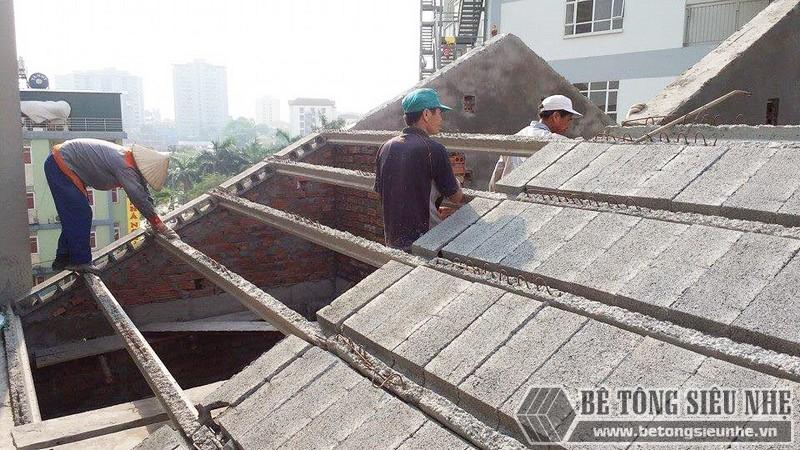 Nâng tầng, làm mái nhà bằng bê tông siêu nhẹ tại Gia Lâm, Hà Nội nhà anh Kiên - 04