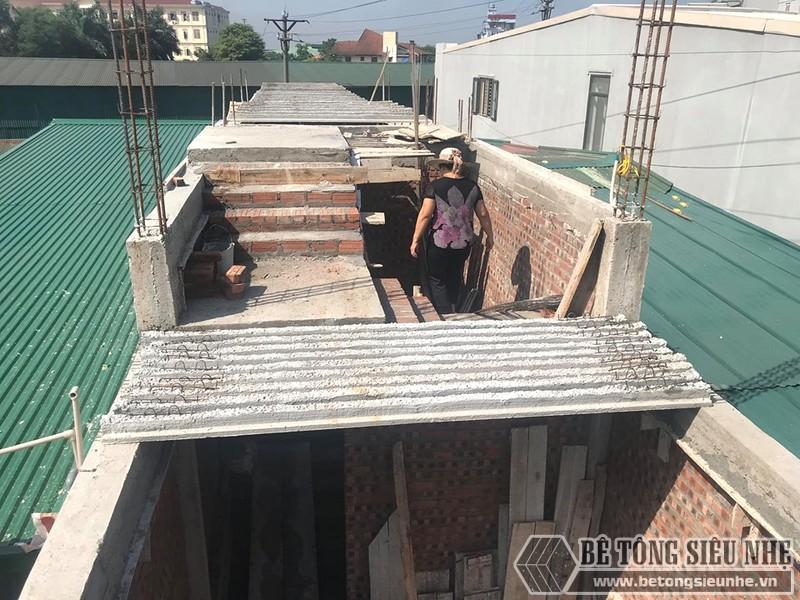 Đổ trần bằng bê tông siêu nhẹ tại Thạch Thất, Hà Nội nhà chị Mai - 01